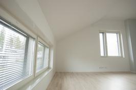 Makuuhuone 18,5 m2 (uusi).