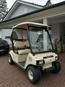 Golfauto ja golfpelioikeudet haluttaessa kuuluu kauppaan.