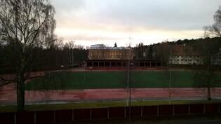 Asunnosta esteetön näkymä Pyynikin urheilukentälle päin