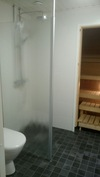 2017 remontoitu kylpyhuone sadesuihkulla