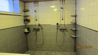 Pesuhuoneen suihkut
