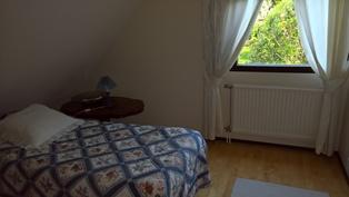 Vanhan osan yläkerran makuuhuone