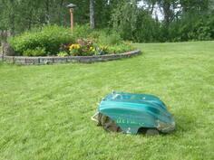 Robotti ruohon leikkuri