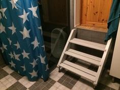 portaat makuuhuoneesta kylpyhuoneeseen