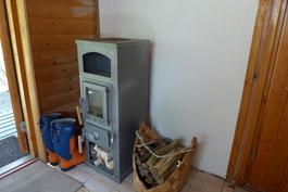 Pukuhuone/pieni saunatupa