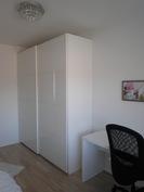 Toisen makuuhuoneen liukuovikaapisto 2000 x 600