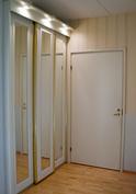 Eteinen kylpyhuoneen ovelta
