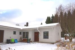Kodikas paritalo rauhallisella alueella aivan Tampereen rajalla