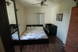 Päätalon toinen makuuhuone