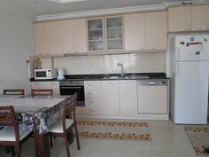 Olohuone + keittiö