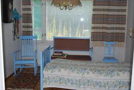 Makuuhuone 1; vaatehuone lisänä
