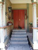 Vanhan mallin mukaan tehty uusi ulko-ovi