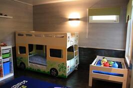 Makuuhuone 2/ lastenhuone
