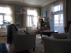 Korkea huonekorkeus koko asunnossa