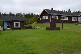 Groopin talo, pihasauna, kylpytynnyri ja kaivo