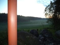 Ilta terassilta katsottuna kaukaisuuteen.