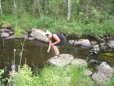 Kirkasvetinen puro (uimapaikka)