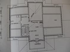 yläkerta, 1 mh, iso varasto ja aula