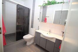 Suihkutila + WC