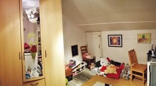 Noin 14m2 huone, jota ei ole laskettu huoneiston kokonaispinta-alaan. Soveltuu harrastehuoneksi.