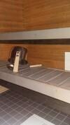 Tilava sauna vaikka useammallekin istujalle