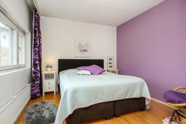 Makuuhuone - iso www.asuntokauppiasanna.fi