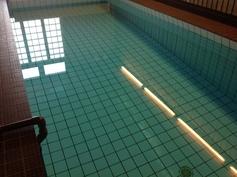 taloyhtiön uima-allas - 20 metriä allaspituutta ja maksuton käyttöoikeus