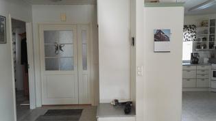 alakerran aulasta keittiöön ja mh