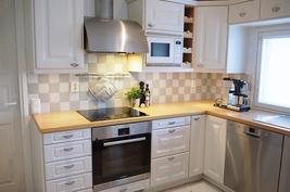 Kodinkoneet on uusittu, keittiökalusteet Puustelli