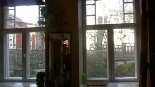 ikkunanäkymä alakerrasta