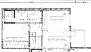 Yläkerta. Pukuhuoneen leveys on 106 ja WC:n 98 cm. Suihku on nykyään saunaseinällä.