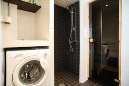 Kylpyhuone remontoitu 2007