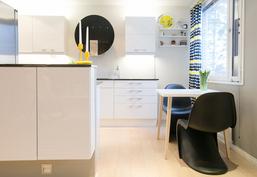 Avara ja toimiva keittiö on yksi asunnon kohokohdista.