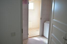 Kodinhoiitohuone ja suihkutila