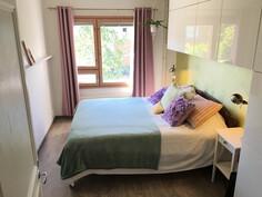 Makuuhuone 1 (remontoitu 2015)