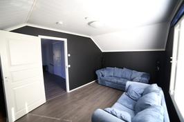 Yläkerran päätyhuone