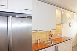 Hollitaipaleentie 17 D keittiö 3