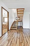 portaikko ylimpään kerrokseen