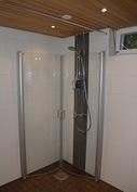 Kodinhoitohuoneen suihku
