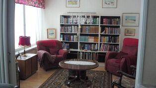 TV huone/kirjasto