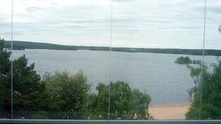 Näkymä Pöyliöjärvelle parvekkeelta