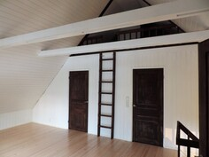 Yläkerran makuuhuoneet ja parvi