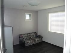 Makuuhuone / työhuone yläkerrassa