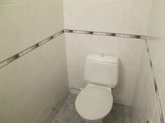 Erillinen WC /kuva 2