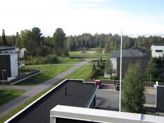 Näkymä parvekkeelta Nallikariin ja leikkipuistoon päin