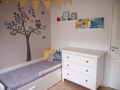 2. Makuuhuone. Seinän kuva irroitettavissa oleva tarra