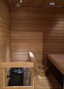 Uudenveroiseen saunaan mahtuu koko perhe, kipaise omalle parvekkeelle vilvoittelemaan.