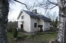 talo yläpihalta
