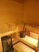 Oman saunan löylyistä parvekkeelle vilvoittelemaan...