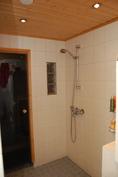 Yläkerran WC-pesuhuone